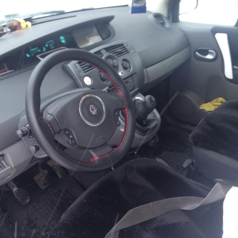 Подержанный Renault Scenic, хорошее состояние, белый , 2008 года выпуска, цена 330 000 руб. в ао. Ханты-Мансийском Автономном округе - Югре