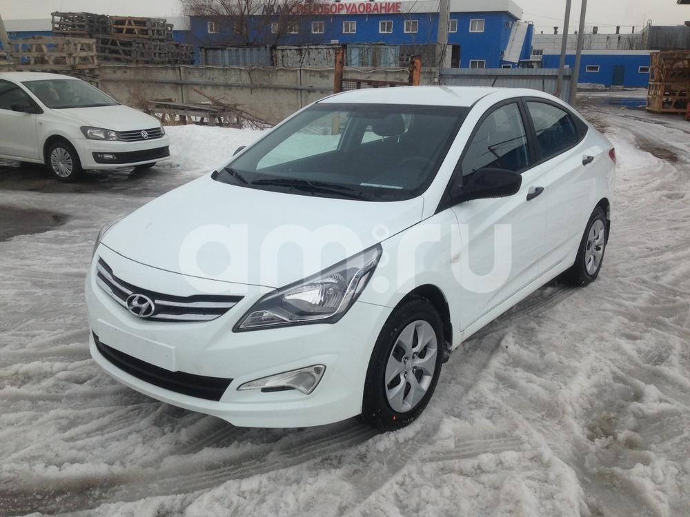 Hyundai Solaris с пробегом, белый , отличное состояние, 2015 года выпуска, цена 688 000 руб. в автосалоне  ()