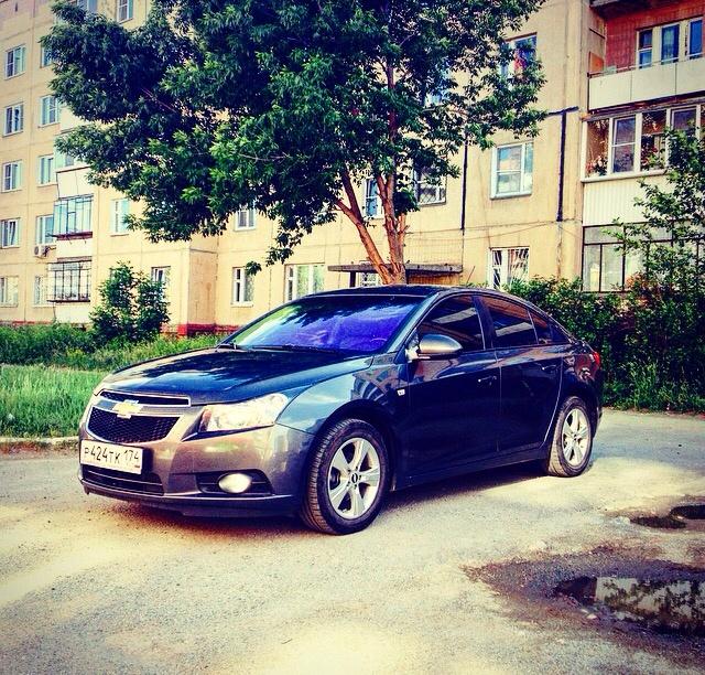 Подержанный Chevrolet Cruze, отличное состояние, мокрый асфальт металлик, 2011 года выпуска, цена 479 000 руб. в Челябинской области