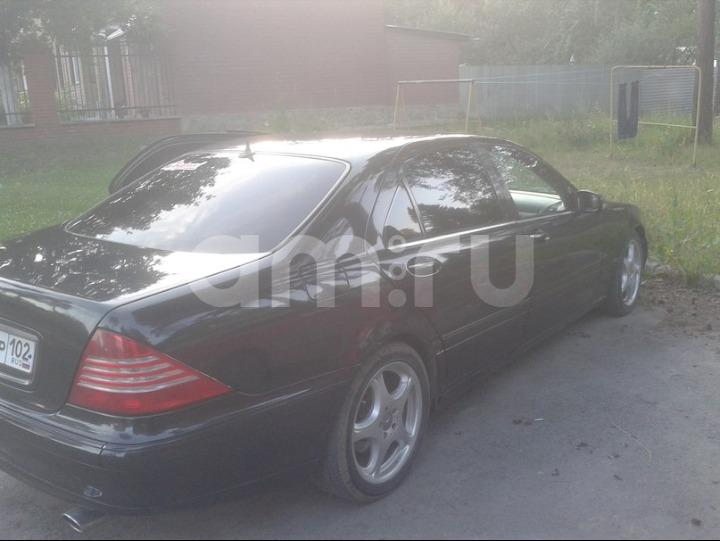 Подержанный Mercedes-Benz S-Класс, хорошее состояние, черный , 2000 года выпуска, цена 440 000 руб. в Челябинской области