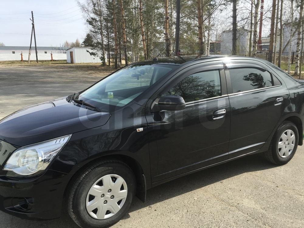 Подержанный Chevrolet Cobalt, отличное состояние, черный перламутр, 2013 года выпуска, цена 400 000 руб. в ао. Ханты-Мансийском Автономном округе - Югре