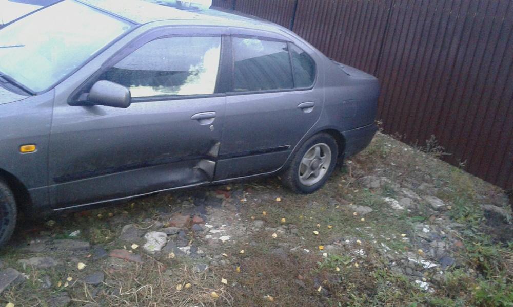 Подержанный Nissan Primera, битый состояние, серый , 1997 года выпуска, цена 95 000 руб. в Челябинской области