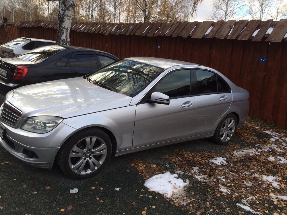 Подержанный Mercedes-Benz C-Класс, хорошее состояние, серебряный , 2009 года выпуска, цена 670 000 руб. в Челябинской области