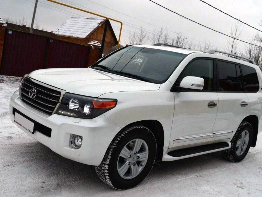 Подержанный Toyota Land Cruiser, отличное состояние, белый перламутр, 2014 года выпуска, цена 3 000 000 руб. в ао. Ханты-Мансийском Автономном округе - Югре