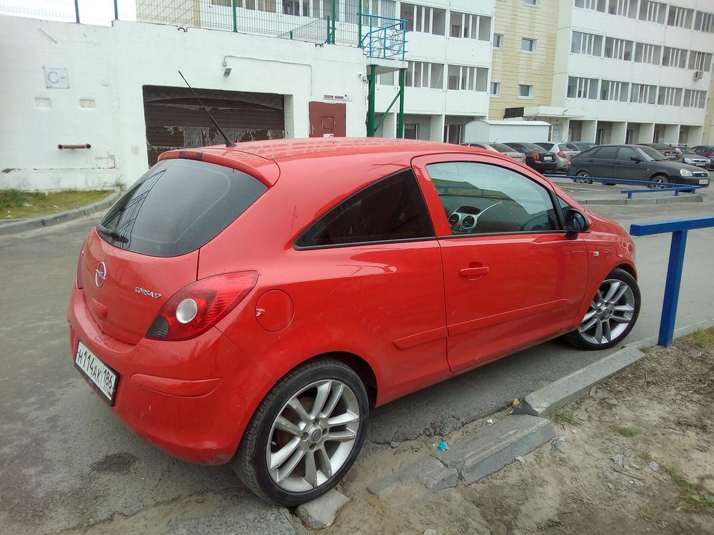 Подержанный Opel Corsa, хорошее состояние, красный , 2007 года выпуска, цена 300 000 руб. в ао. Ханты-Мансийском Автономном округе - Югре