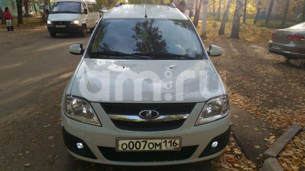 Подержанный ВАЗ (Lada) Largus, отличное состояние, белый , 2013 года выпуска, цена 410 000 руб. в республике Татарстане
