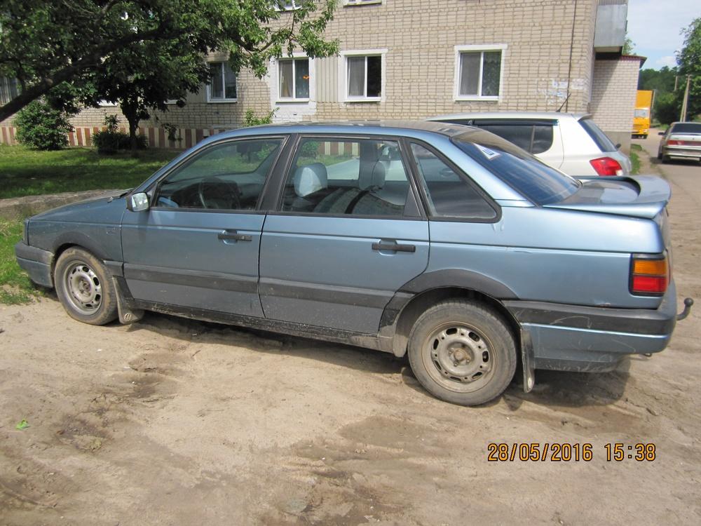 Подержанный Volkswagen Passat, хорошее состояние, голубой металлик, 1991 года выпуска, цена 80 000 руб. в Смоленской области