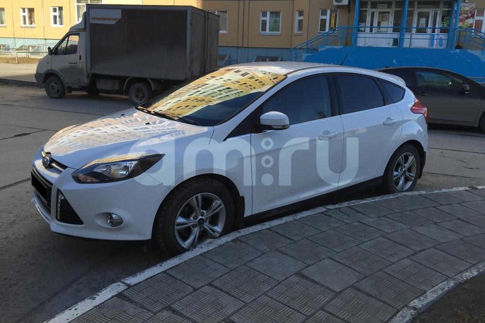 Подержанный Ford Focus, хорошее состояние, белый , 2013 года выпуска, цена 600 000 руб. в ао. Ханты-Мансийском Автономном округе - Югре