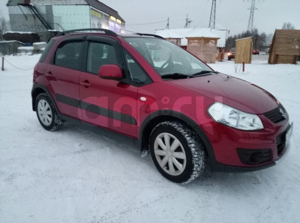 Подержанный Suzuki SX4, отличное состояние, красный , 2012 года выпуска, цена 650 000 руб. в ао. Ханты-Мансийском Автономном округе - Югре