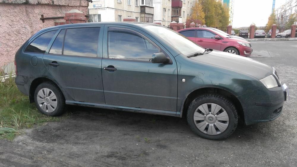 Подержанный Skoda Fabia, хорошее состояние, зеленый металлик, 2007 года выпуска, цена 285 000 руб. в ао. Ханты-Мансийском Автономном округе - Югре
