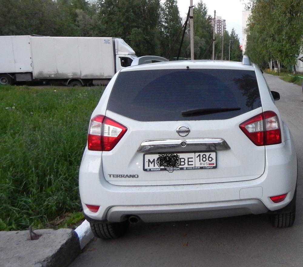 Подержанный Nissan Terrano, отличное состояние, белый , 2015 года выпуска, цена 920 000 руб. в ао. Ханты-Мансийском Автономном округе - Югре