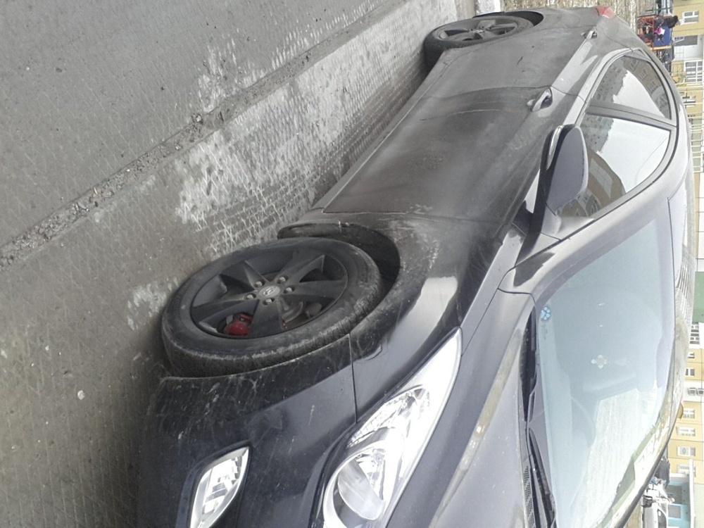 Подержанный Hyundai Elantra, среднее состояние, черный , 2012 года выпуска, цена 470 000 руб. в ао. Ханты-Мансийском Автономном округе - Югре