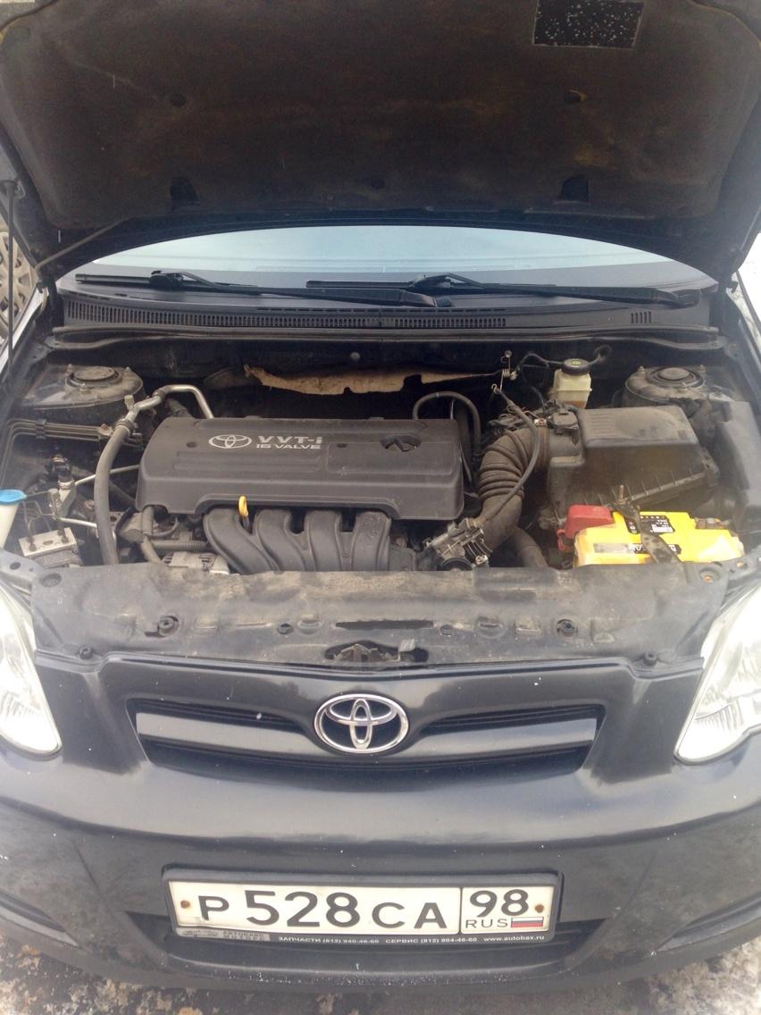 Подержанный Toyota Corolla, хорошее состояние, черный , 2005 года выпуска, цена 310 000 руб. в ао. Ханты-Мансийском Автономном округе - Югре