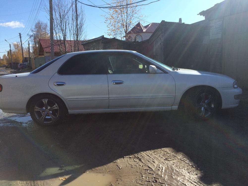 Подержанный Nissan Presea, отличное состояние, белый перламутр, 1999 года выпуска, цена 235 000 руб. в ао. Ханты-Мансийском Автономном округе - Югре