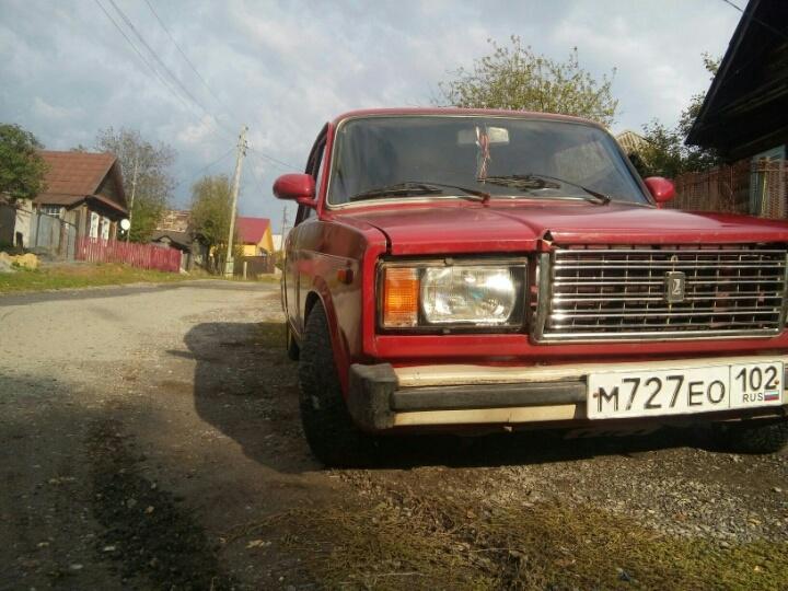 Подержанный ВАЗ (Lada) 2107, хорошее состояние, бордовый , 2004 года выпуска, цена 32 999 руб. в Челябинской области