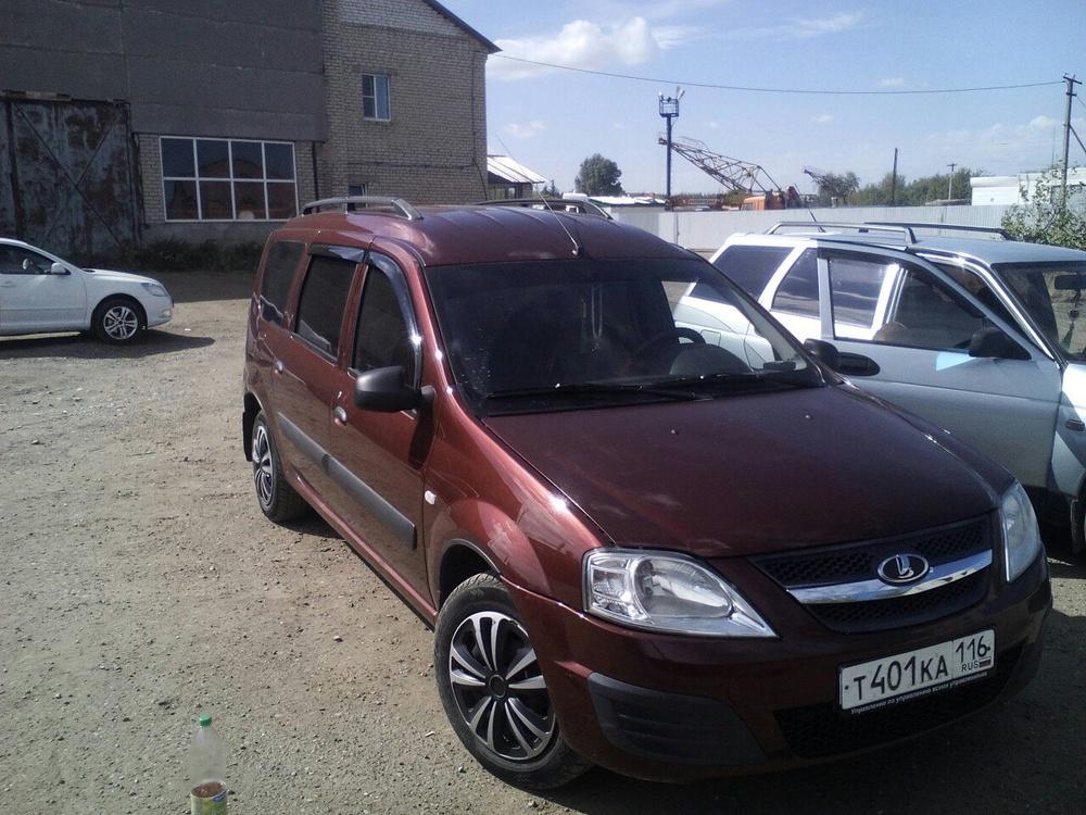 Подержанный ВАЗ (Lada) Largus, хорошее состояние, красный , 2013 года выпуска, цена 370 000 руб. в республике Татарстане