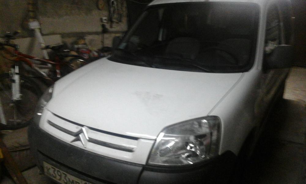 Подержанный Citroen Berlingo, отличное состояние, белый , 2010 года выпуска, цена 400 000 руб. в Челябинской области