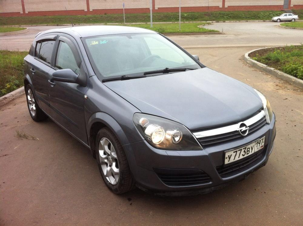 Подержанный Opel Astra, хорошее состояние, серый металлик, 2005 года выпуска, цена 235 000 руб. в республике Татарстане
