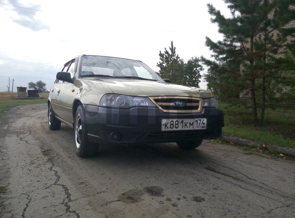 Подержанный Daewoo Nexia, хорошее состояние, золотой металлик, 2009 года выпуска, цена 145 000 руб. в Челябинской области