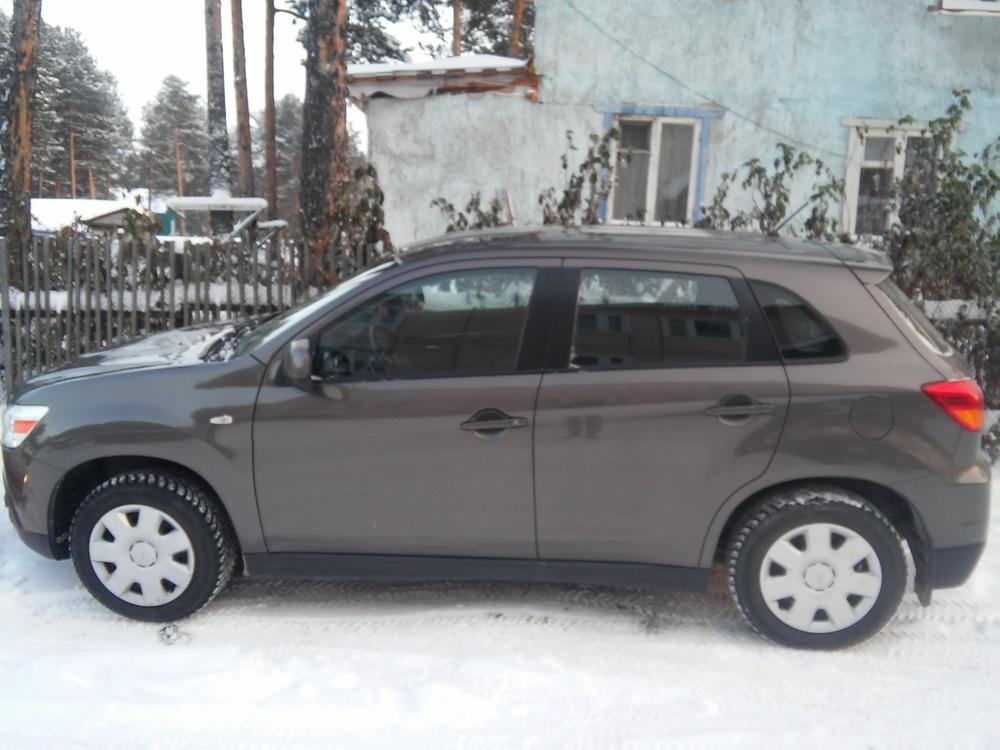 Подержанный Mitsubishi ASX, отличное состояние, коричневый , 2010 года выпуска, цена 680 000 руб. в ао. Ханты-Мансийском Автономном округе - Югре