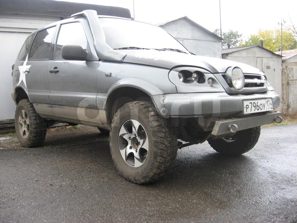Подержанный Chevrolet Niva, хорошее состояние, серый металлик, 2006 года выпуска, цена 269 000 руб. в Челябинской области