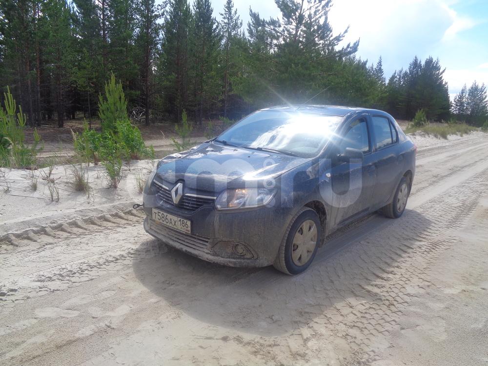 Подержанный Renault Logan, хорошее состояние, черный металлик, 2014 года выпуска, цена 380 000 руб. в ао. Ханты-Мансийском Автономном округе - Югре