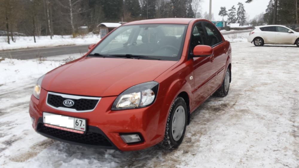 Подержанный Kia Rio, хорошее состояние, оранжевый , 2010 года выпуска, цена 345 000 руб. в Смоленской области