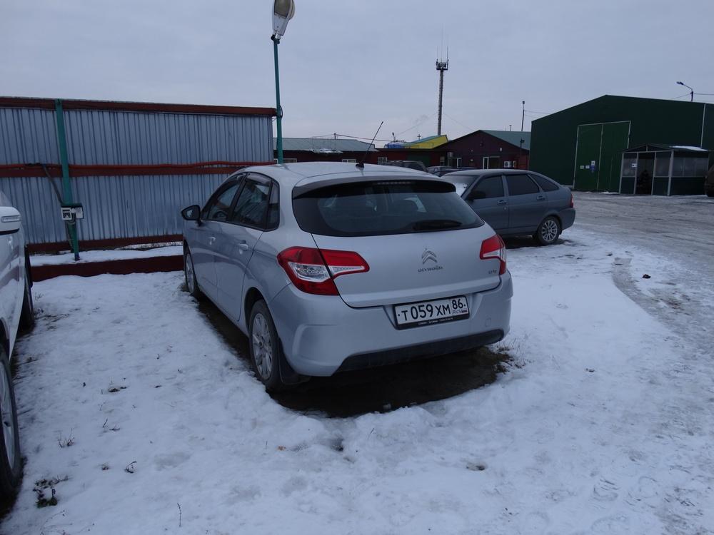 Подержанный Citroen C4, хорошее состояние, серебряный , 2012 года выпуска, цена 400 000 руб. в ао. Ханты-Мансийском Автономном округе - Югре