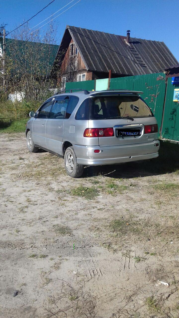 Подержанный Toyota Ipsum, хорошее состояние, серебряный , 1998 года выпуска, цена 280 000 руб. в ао. Ханты-Мансийском Автономном округе - Югре