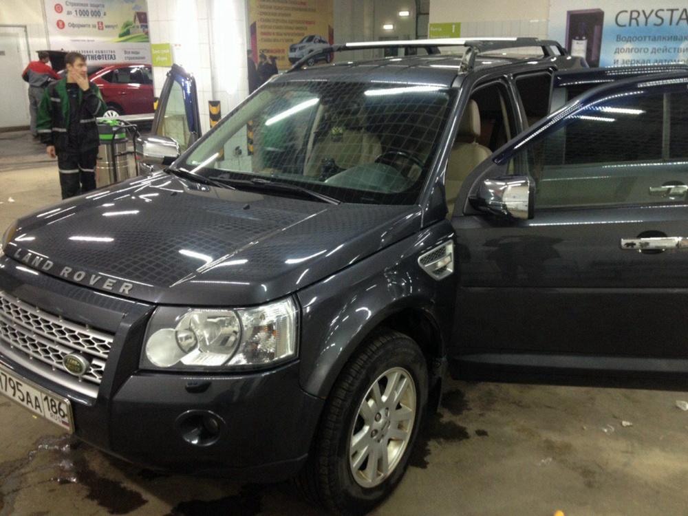 Подержанный Land Rover Freelander, среднее состояние, мокрый асфальт металлик, 2010 года выпуска, цена 750 000 руб. в ао. Ханты-Мансийском Автономном округе - Югре