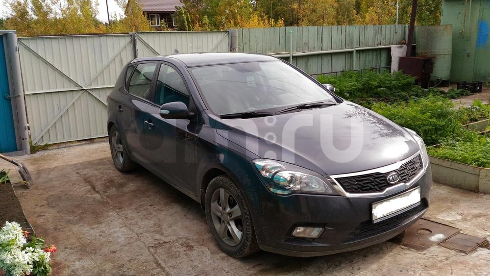 Подержанный Kia Cee'd, отличное состояние, серый металлик, 2010 года выпуска, цена 550 000 руб. в ао. Ханты-Мансийском Автономном округе - Югре