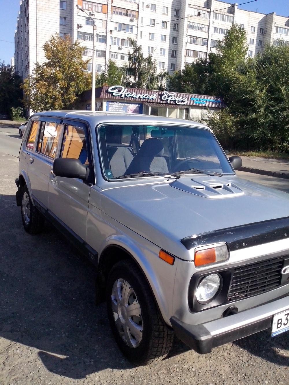 Подержанный ВАЗ (Lada) 4x4, хорошее состояние, серебряный , 2010 года выпуска, цена 185 000 руб. в республике Татарстане