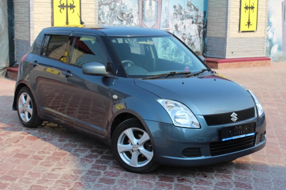 Подержанный Suzuki Swift, хорошее состояние, серый металлик, 2005 года выпуска, цена 260 000 руб. в ао. Ханты-Мансийском Автономном округе - Югре