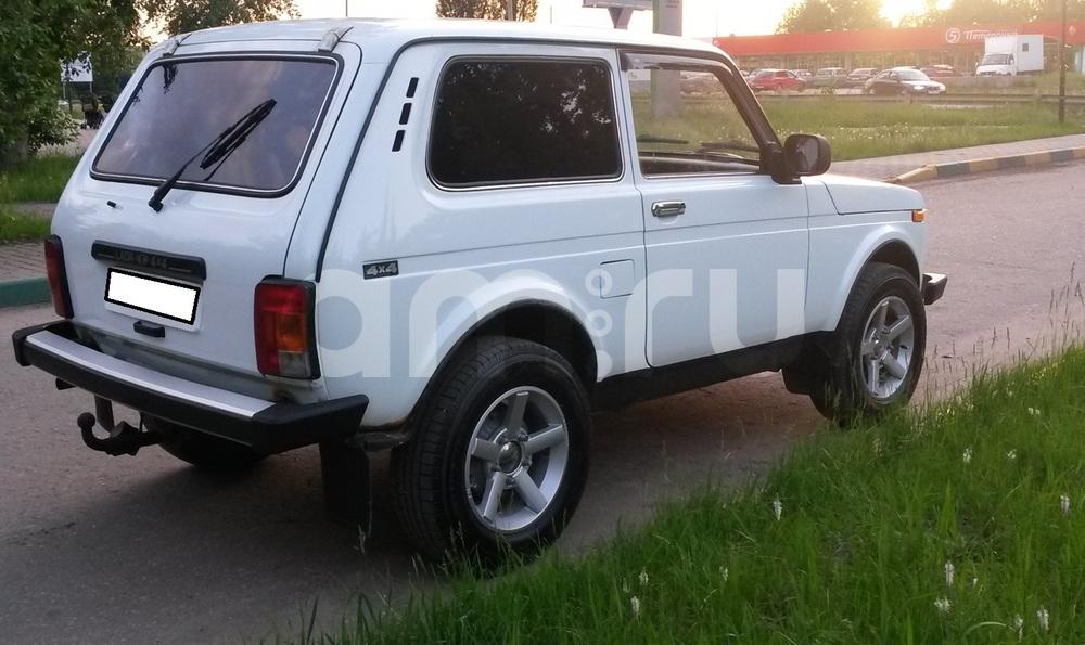 Подержанный ВАЗ (Lada) 4x4, хорошее состояние, белый , 2014 года выпуска, цена 350 000 руб. в Челябинской области