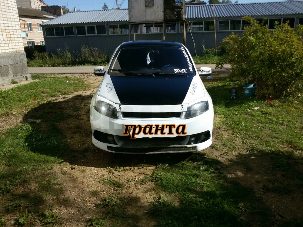 Подержанный ВАЗ (Lada) Granta, отличное состояние, белый акрил, 2012 года выпуска, цена 205 000 руб. в Смоленской области