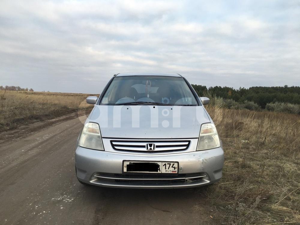 Подержанный Honda Stream, хорошее состояние, серебряный металлик, 2001 года выпуска, цена 270 000 руб. в Челябинской области
