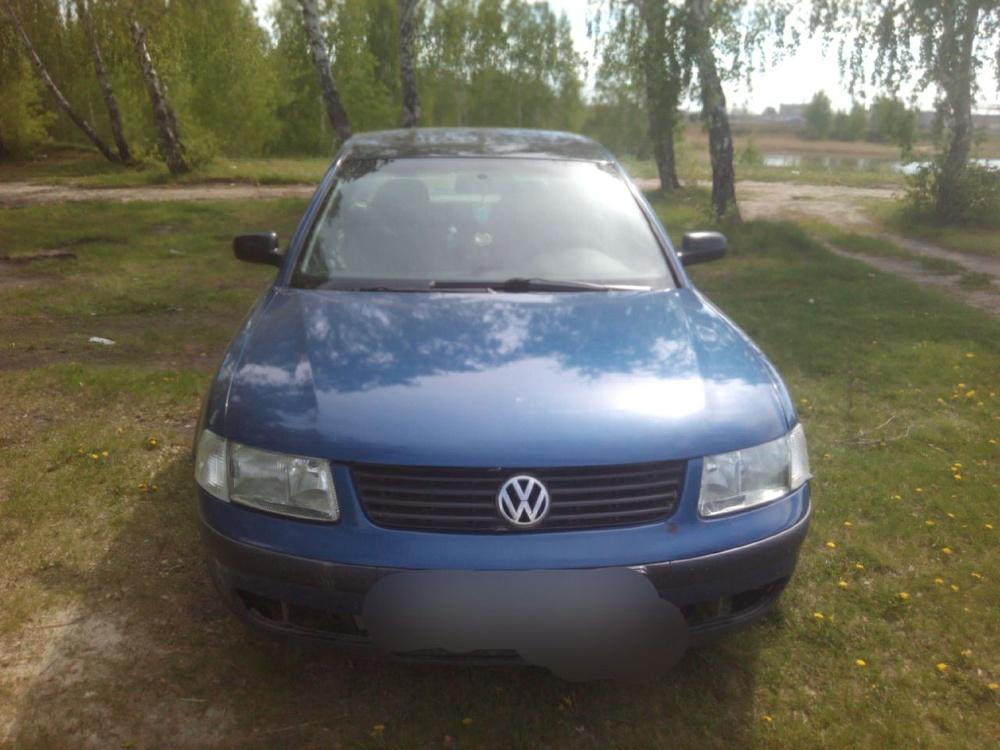 Подержанный Volkswagen Passat, хорошее состояние, синий металлик, 1997 года выпуска, цена 200 000 руб. в Челябинской области