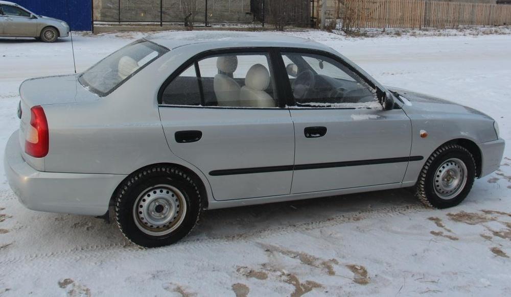 Подержанный Hyundai Accent, хорошее состояние, серебряный , 2011 года выпуска, цена 270 000 руб. в ао. Ханты-Мансийском Автономном округе - Югре
