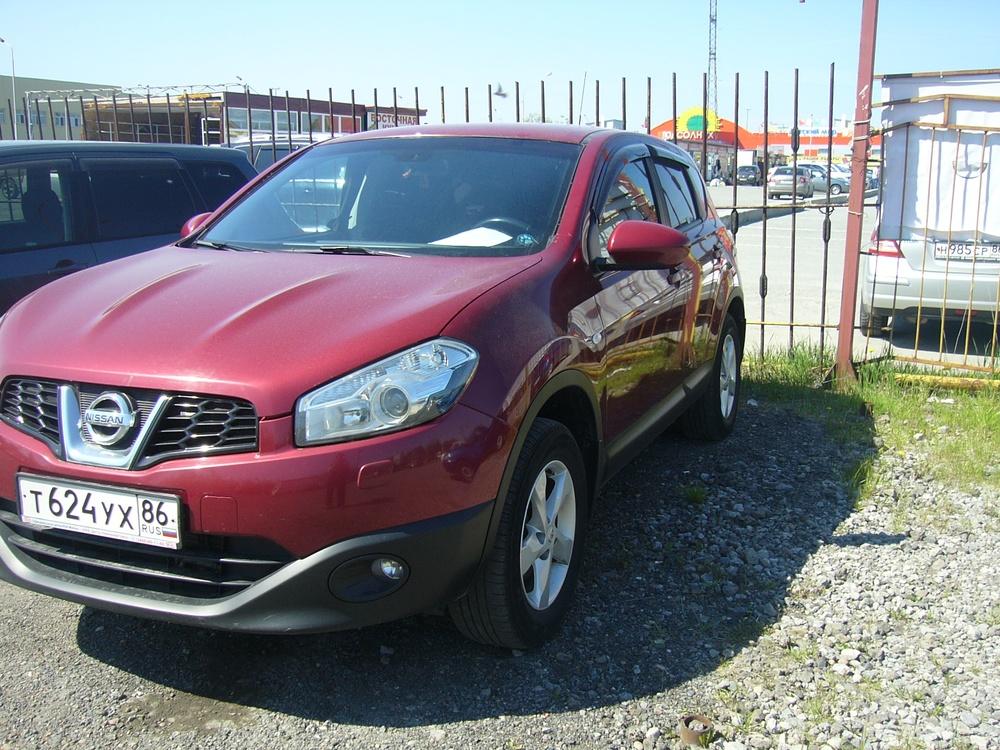 Подержанный Nissan Qashqai, отличное состояние, бордовый , 2011 года выпуска, цена 710 000 руб. в ао. Ханты-Мансийском Автономном округе - Югре