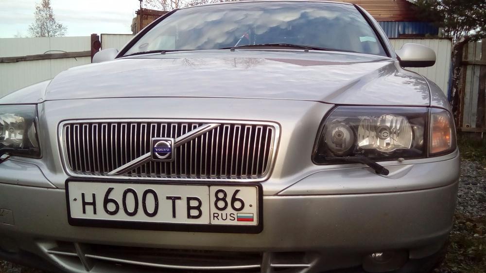 Подержанный Volvo S80, хорошее состояние, серебряный , 2002 года выпуска, цена 385 000 руб. в ао. Ханты-Мансийском Автономном округе - Югре