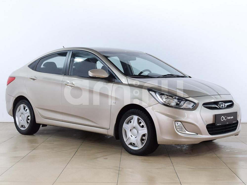 Hyundai Solaris с пробегом, бежевый металлик, отличное состояние, 2013 года выпуска, цена 479 000 руб. в автосалоне  ()