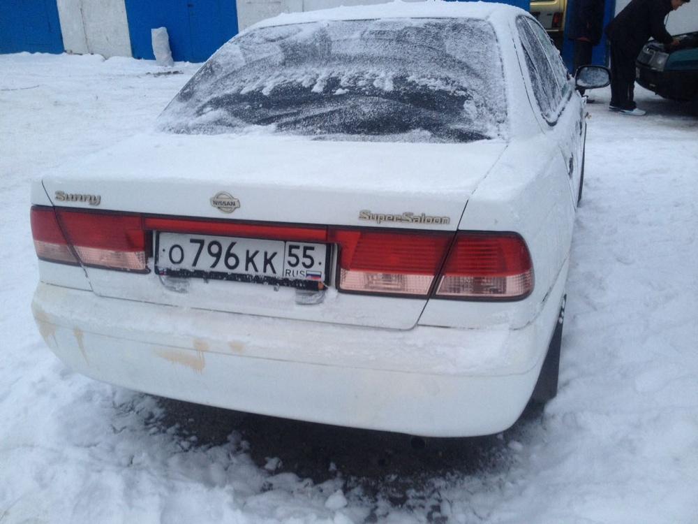 Подержанный Nissan Sunny, среднее состояние, белый , 2002 года выпуска, цена 135 000 руб. в ао. Ханты-Мансийском Автономном округе - Югре