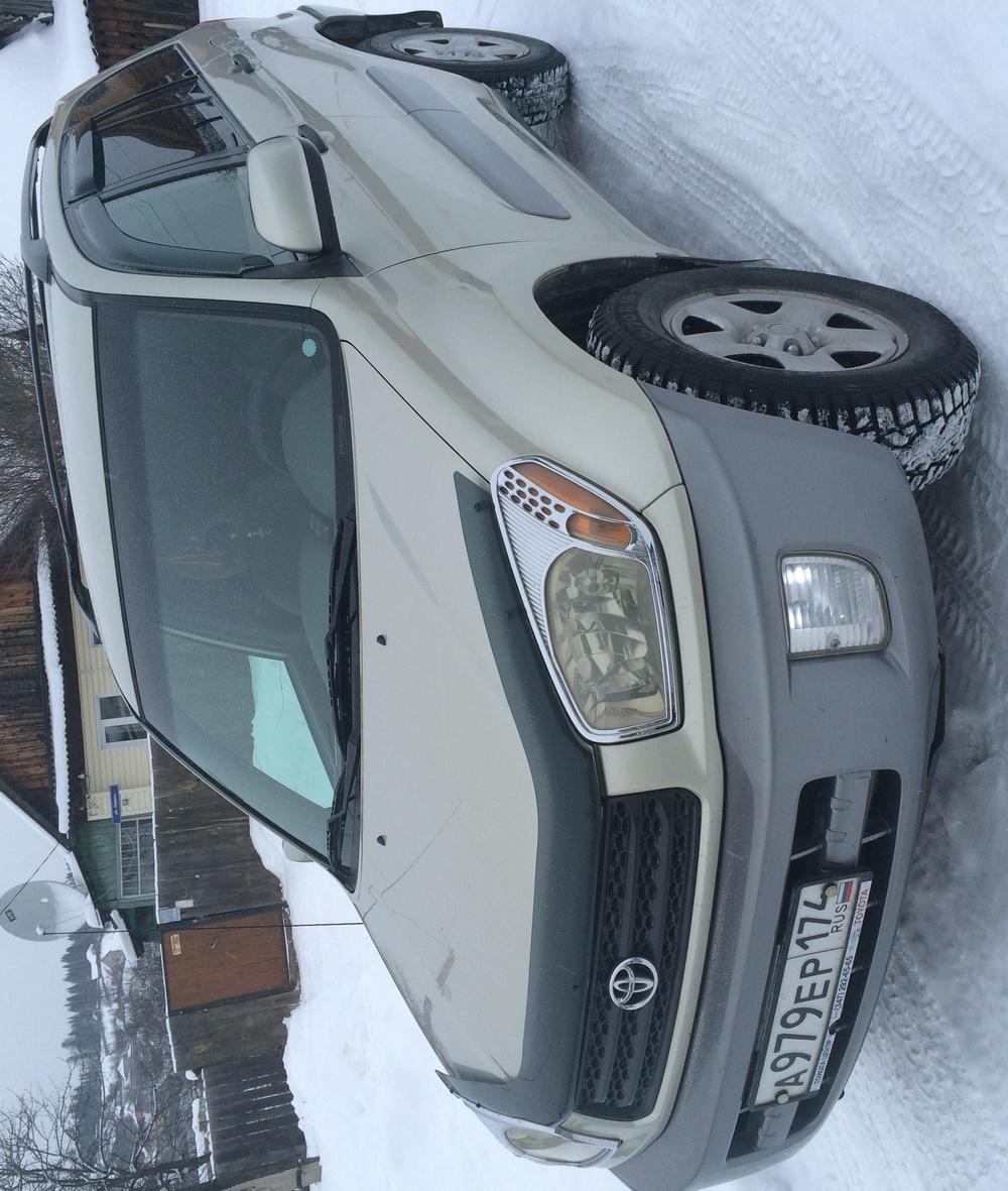 Подержанный Toyota RAV4, хорошее состояние, бежевый , 2001 года выпуска, цена 420 000 руб. в Челябинской области