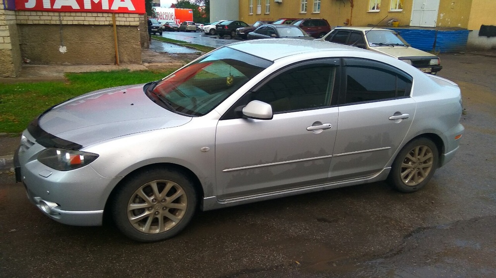 Подержанный Mazda 3, хорошее состояние, серебряный металлик, 2004 года выпуска, цена 300 000 руб. в Челябинской области