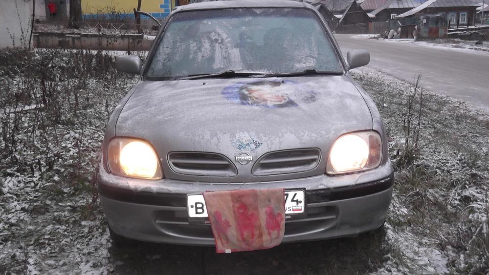 Подержанный Nissan March, хорошее состояние, серый металлик, 2000 года выпуска, цена 100 000 руб. в Челябинской области