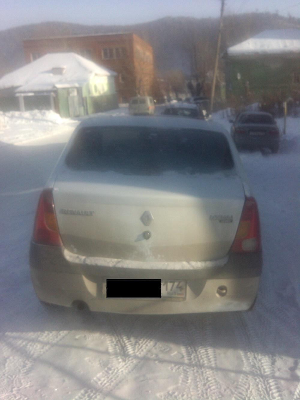 Подержанный Renault Logan, хорошее состояние, белый , 2007 года выпуска, цена 190 000 руб. в Челябинской области