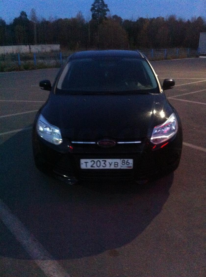 Подержанный Ford Focus, хорошее состояние, черный , 2011 года выпуска, цена 445 000 руб. в ао. Ханты-Мансийском Автономном округе - Югре