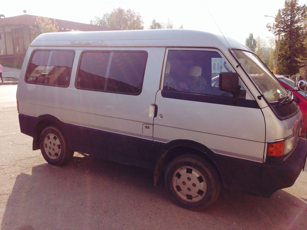 Подержанный Mazda Bongo Brawny, отличное состояние, серый металлик, 1984 года выпуска, цена 120 000 руб. в Челябинской области