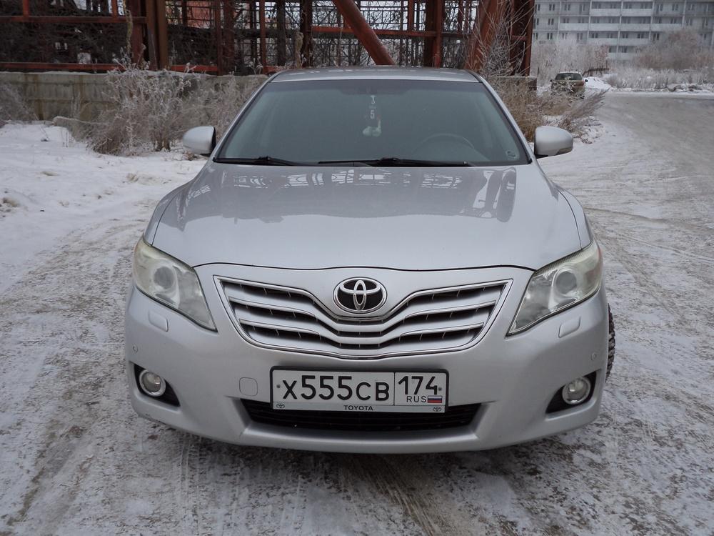 Подержанный Toyota Camry, хорошее состояние, серебряный металлик, 2009 года выпуска, цена 630 000 руб. в Челябинской области