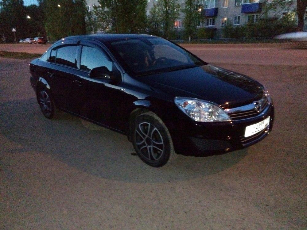 Подержанный Opel Astra, хорошее состояние, черный , 2011 года выпуска, цена 440 000 руб. в республике Татарстане